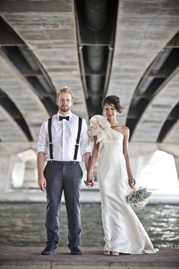 love this bride's one-shouldered wedding dress! // photo by BaylyMoore.com