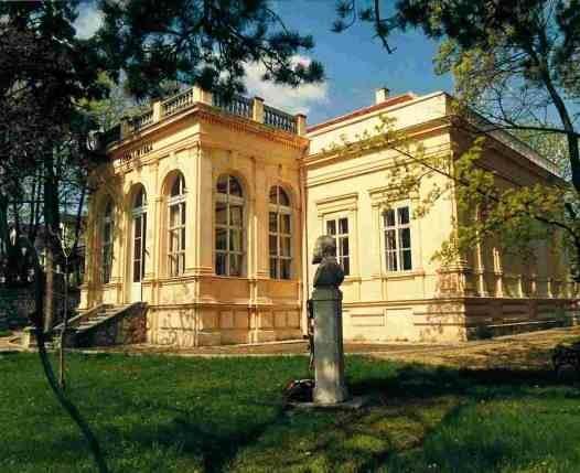 Jókai Mór villa, Balatonfüreden, Hungary. Jokai Mor (1825-194) was a Hungarian dramatist and novelist.