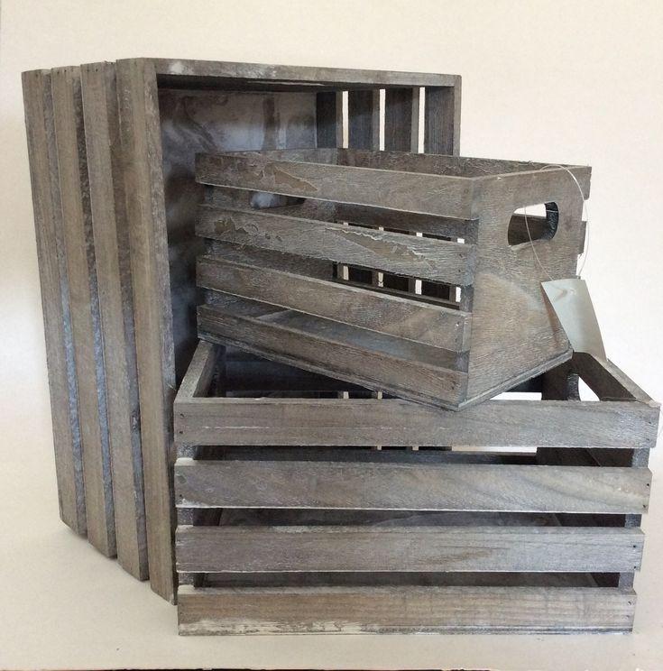 3 stk. lysegrå trækasser | Produkter | Fletkurve & Bokse | 3 forskellige størrelser Stor: 32x26x16cm Mellem: 26x20x14cm Lille: 22x14x12cm | Maggies.dk