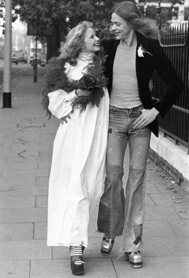Lindsey Rudland and Andrew Clewer, 1973 | 41 Insanely Cool Vintage Celebrity Wedding Photos