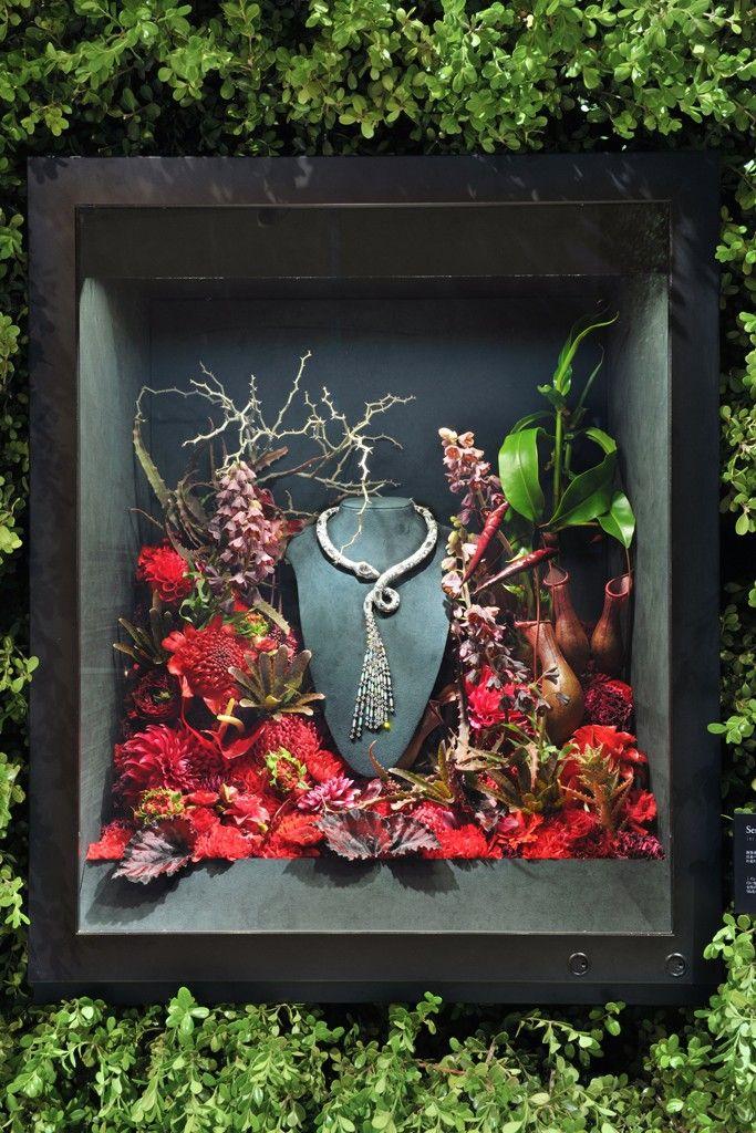 Boucheron Displays Jewels in Tokyo   Fantastic window display idea.