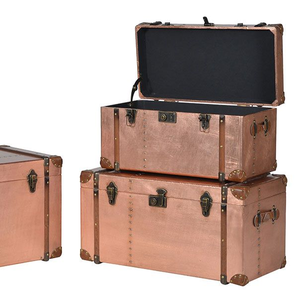 This Set of 3 Copper Trunks not only look fantastic but are also super practical. A great addition to an industrial inspired interior.