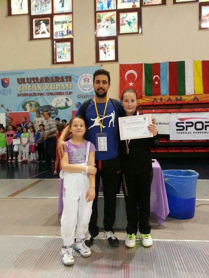 Uluslararası çocuk kupası ikincisi Ebru Sehabettinoglu
