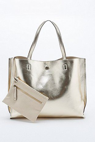 Reversible Vegan Leather Oversized Tote Bag in Ivory and Gold - Urban Outfitters