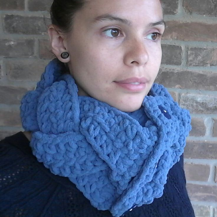 Chunky Braided cowl made of thick blanket yarn available now!