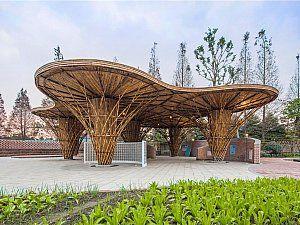 Atelier REP'in tasarladığı Bambu Bahçe, şehrin yakınındaki tipik kırsal bir bölgede yer alıyor.