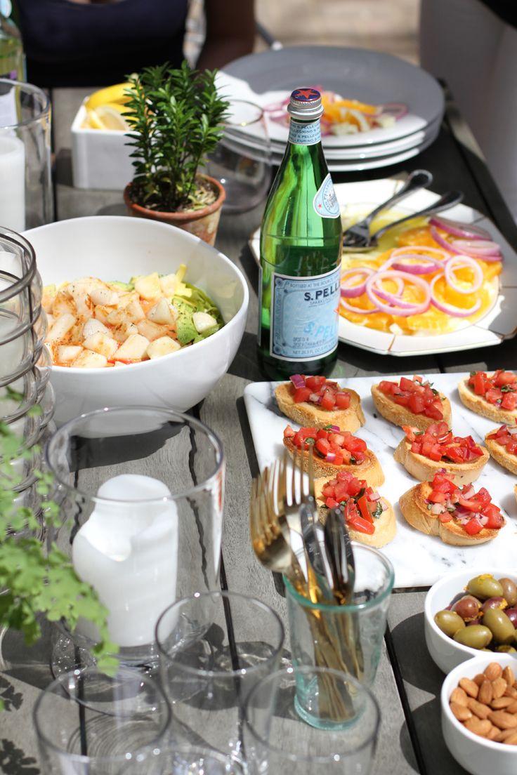 Summertime Alfresco Dining Made Easy #theeverygirl #sanpellegrino