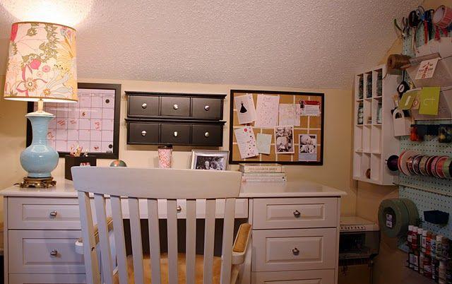CRAFT ROOM INSPIRATIONSDesks Area, Crafts Desks, Small Crafts, Keepsake Crafts, Crafts Room Inspiration, Crafts Spaces, Organic Ideas, Crafts Corner, Craft Rooms
