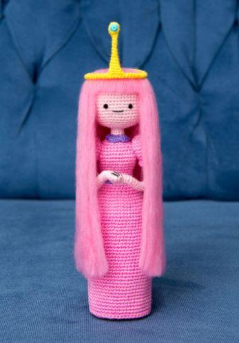 Amigurumi: Prinzessin Bubblegum aus Adventure Time zum Häkeln - Häkelanleitung via Makerist.de