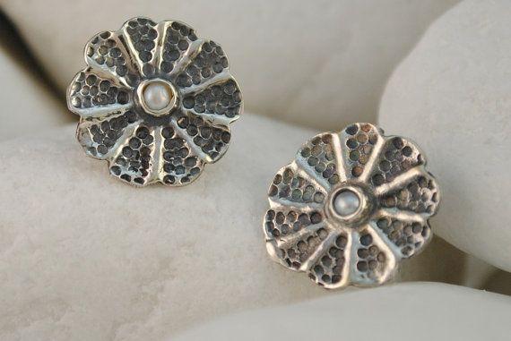 Rosette Pearl Stud Earrings