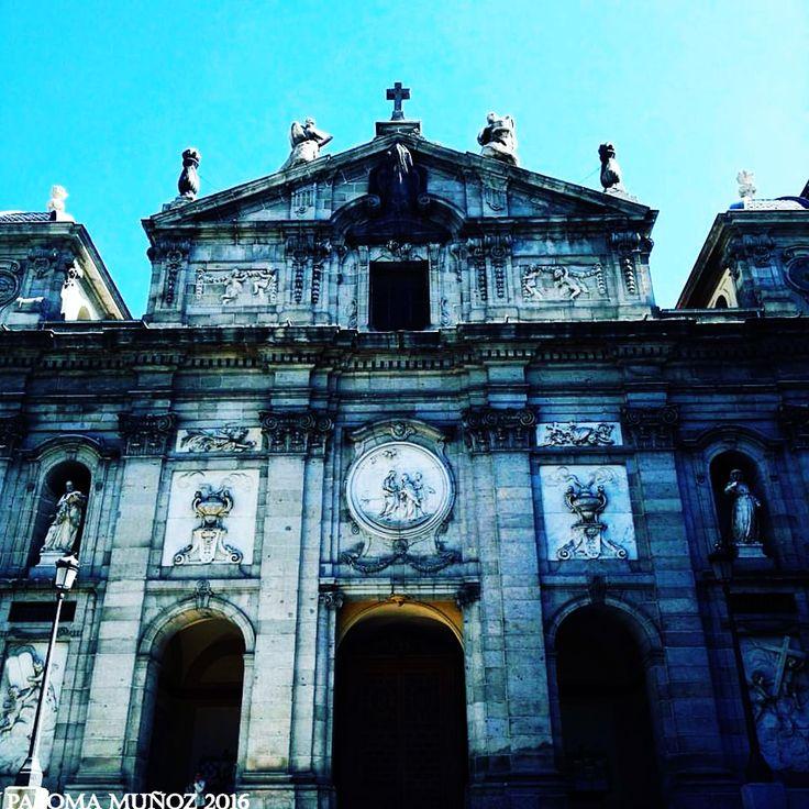 Iglesia de las Salesas Reales, fundada por la reina Bárbara de Braganza, mujer de Fernando VI. Estilo barroco. Construida entre 1750 y 1758 Church of The Royal Salesas founded by Queen Bárbara de Braganza wife of Ferndinad VI of Bourbon King of Spain Baroque style