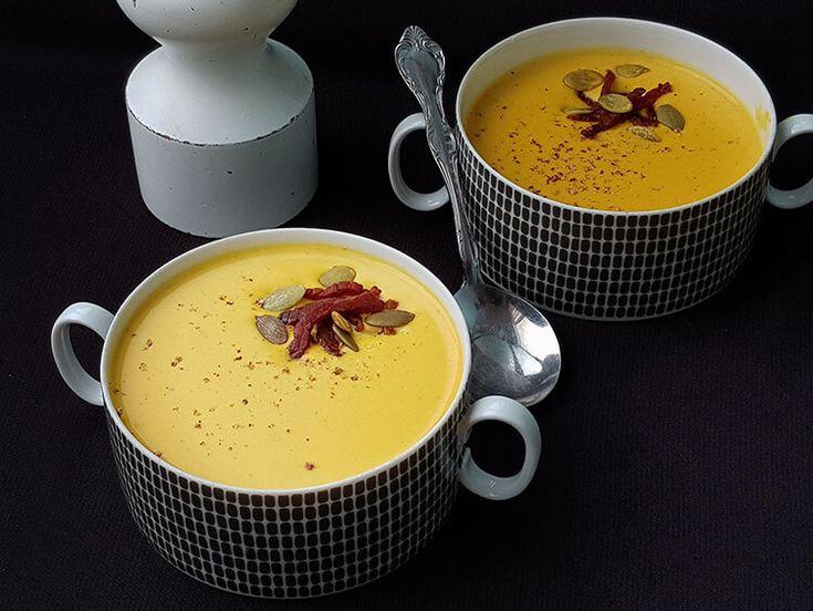 Supa crema de dovleac .Supa crema din dovleac placintar.Cea mai simpla si gustoasa supa crema din dovleac. Cum se preparaa Supa crema de dovleac . Supa de dovleac.Supa crema.Retete supe creme.