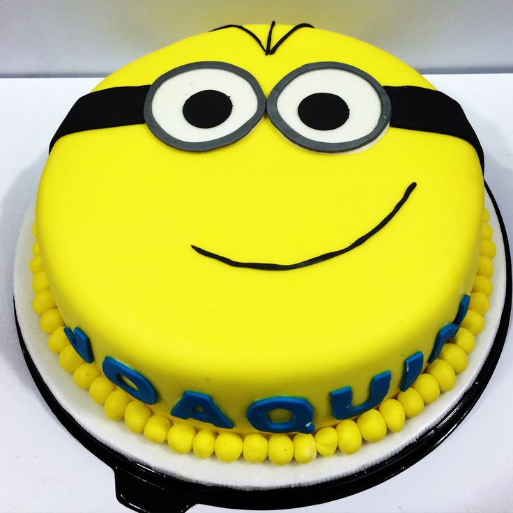 Birthday Cakes con diseño de Minion para celebrar en grande! #SoSweet #PasteleríaArtesanal #Repostería #Bogotá #Artcakes #Tortas #Ponques #Minions #PastryShop www.SoSweet.com.co