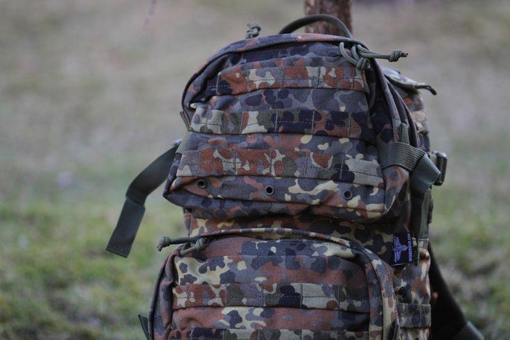 Objem je 25L čo umožňuje majiteľovi veľký úložný priestor. http://www.armyoriginal.sk/1741/110185/takticky-ruksak-ranger-flecktarn-invader-gear.html