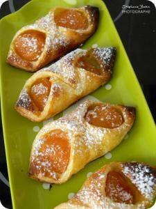 Voici de délicieuses viennoiseries, sucrées à souhait ! Toutes simples et très rapides à réaliser elles sont super pour le goûter. Si vous n'avez pas d'abricots frais, vous pouvez aussi utiliser de...
