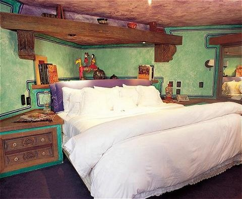 Green walls. #mexican style bedroom