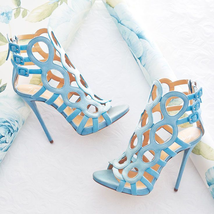 We have Giuseppe Zanotti to thank for these baby blues.