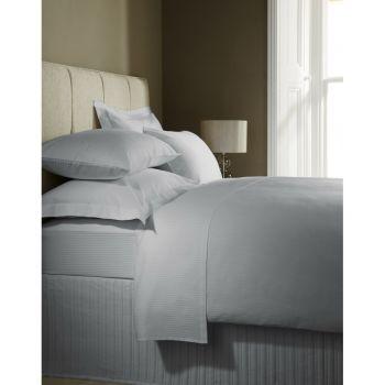 Alege cearceafuri de pat de pe DecoStores de diferite culori, marimi si modele! #cearceaf #cearceafpat #decoratiunidormitor #DecoStores #bedsheet #bedroomdecorations