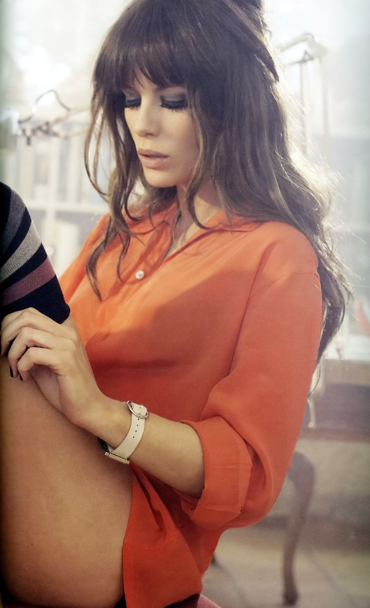 Kate Beckinsale.  One of the most beautiful women alive but idk if I can get over her feet. :(
