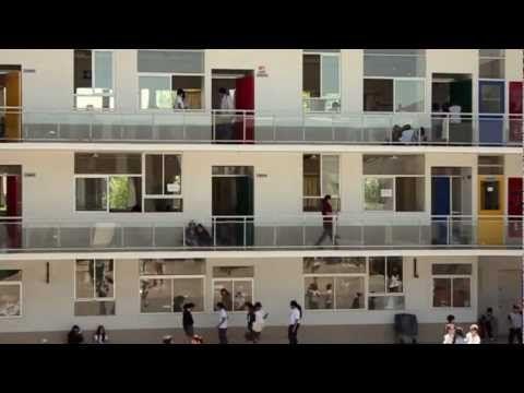 ▶ Profes: un película de Elige Educar | HD - YouTube. La película Profes dirigida por Sebastián Moreno (La Ciudad de los Fotógrafos) y producida por Ricardo Larraín (La Frontera, El Entusiasmo, Pasos de Baile), aborda las historias de 6 maestros de diferentes disciplinas, insertos en variados entornos sociales y repartidos en diferentes puntos