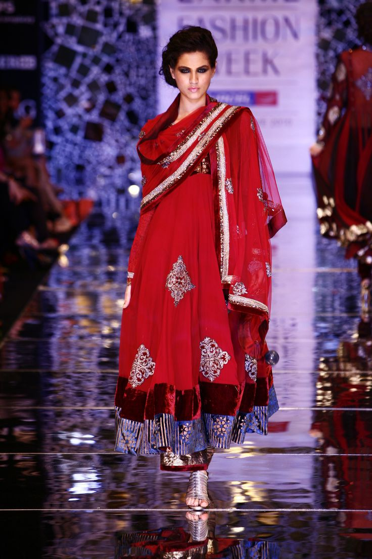 Manish malhotra anarkali manish malhotra anarkali hd wallpapers car - Deep Red Manish Malhotra Anarkali With A Purple Border In Rich Velvet