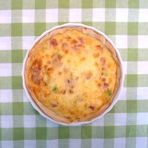 Lekker, zo'n miniquiche! Deze is gevuld met doperwten, ham en kaas. Lekker recept voor kinderen. http://dekinderkookshop.nl/recipe-items/taartjes-met-doperwten-ham-en-kaas/