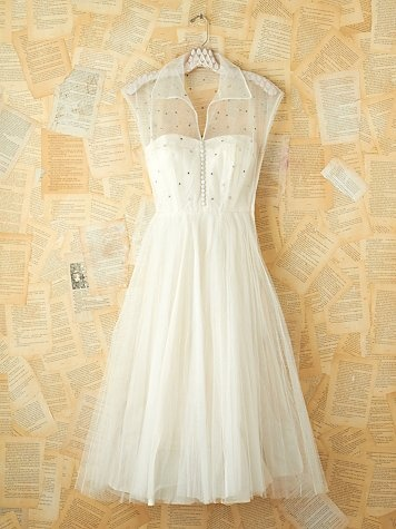 Vintage White Rhinestone and Tulle Dress. http://www.freepeople.com/vintage-loves-pretty-in-pink/vintage-white-rhinestone-and-tulle-dress-26901413/