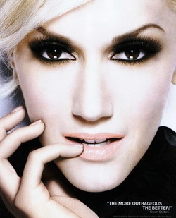 Gwen Stefani - would love 2 have her hair, body, look, etc.