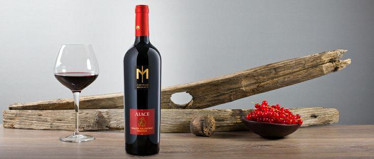 Aiace Salice Salentino: colore rosso rubino profondo; profumo intenso e complesso, ricco di corpo e di frutto; sapore vigoroso, caldo e armonico, dal finale persistente. http://hitany.it/it/prodotti/vino/aiace-salice-salentino-doc-16