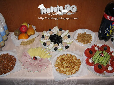 http://retetegg.blogspot.com/2011/10/aperitive-festive.html