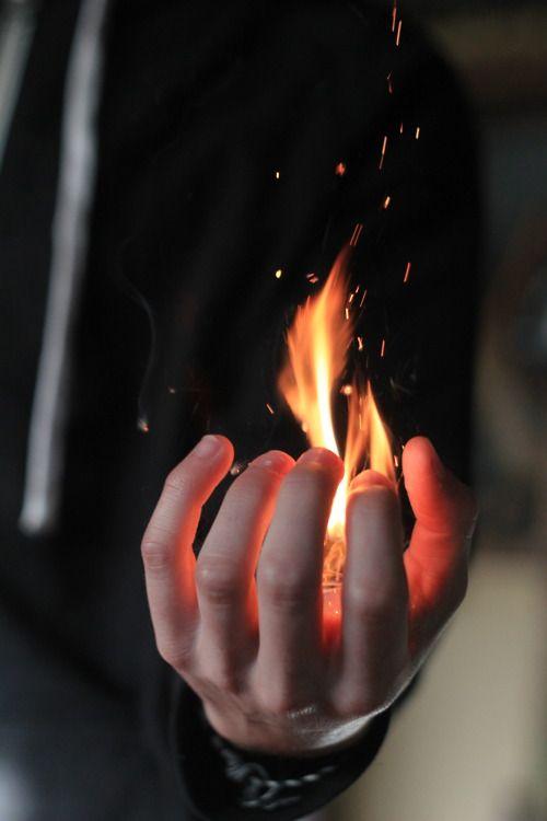 makxveli:  Omg a real life fire bender!