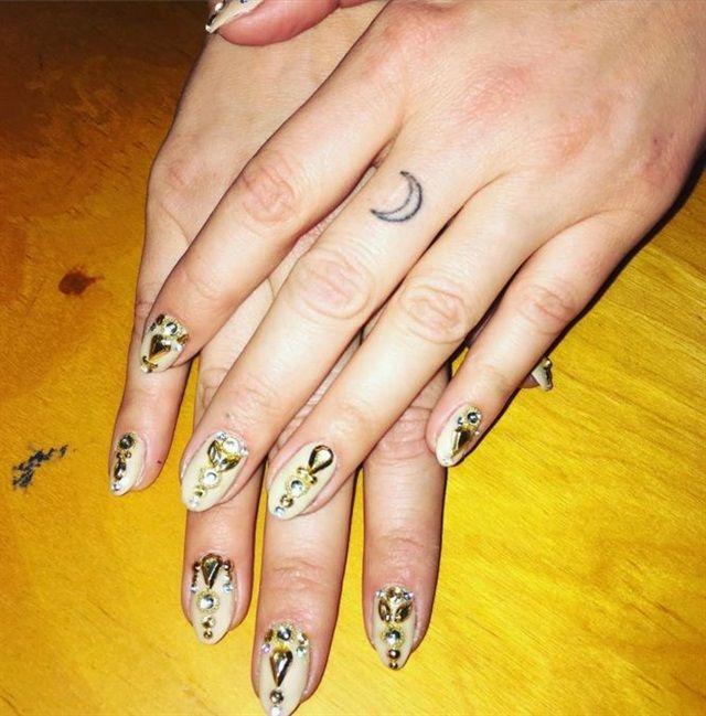 Celebrity Nail Artist: 168 Best Celebrity Nail Art Images On Pinterest