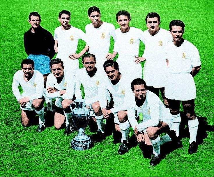 1956-El Real Madrid campeón de la primera copa de Europa. Real Madrid 4 - Stade de Reims 3. En la fotografía: Juanito Alonso, Atienza, Marquitos, Lesmes, Muñoz, Zárraga, Joseíto, Marsal, DiStefano, Rial y Gento