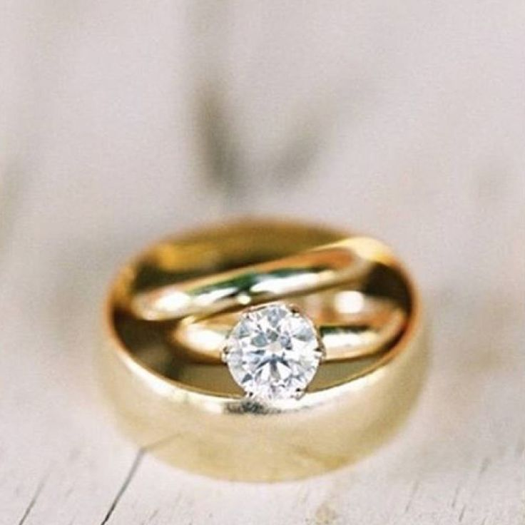 Looking to learn how to design the perfect engagement diamond ring? Need to know the basic rules of what to DO and NOT DO. We've laid it all out for you.