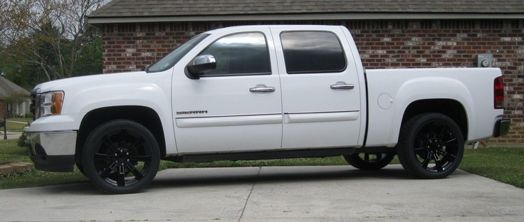 Chevy Silverado Texas Edition in white with black rims