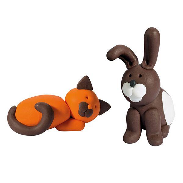 Fimo Kids -pakkauksessa on kaikki tarvikkeet ja kuvalliset ohjeet lemmikkien valmistamiseen.