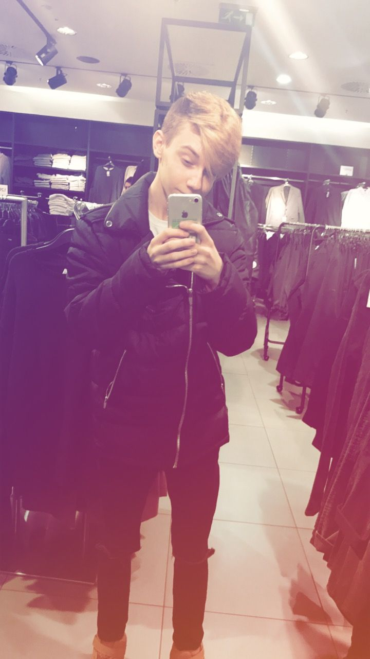 Full black outfit Tumblr boy