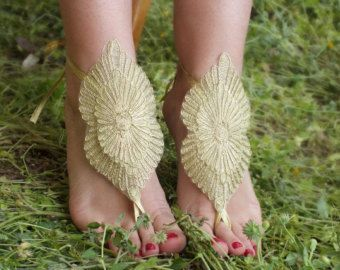 SANDALETLER // altın plaj ayakkabıları, fransız dantel sandalet, düğün halhal, Plaj düğün yalınayak sandalet,