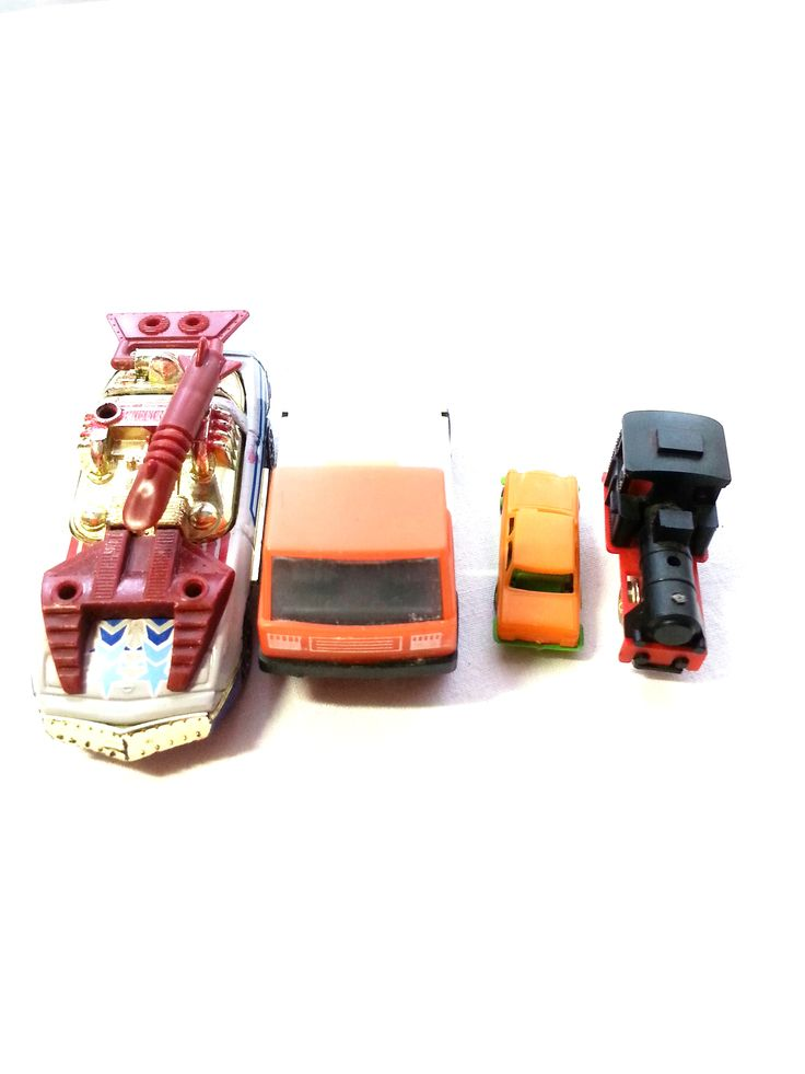 Auto -Set bestehend aus 3 Autos und einer Lokomotive aus den 70zigern - gebraucht Art.-Nr.: RSP1007 Da es sich nicht um neue Ware (Antiquitäten) handelt, gibt es das Produkt in der Regel nur als Einzelstück. Beachten Sie ggf. andere Hinweise auch mehrteilige Sets in der Beschreibung.