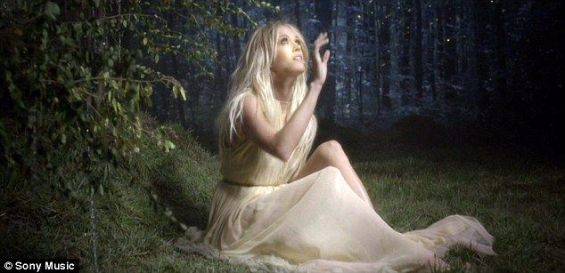 Carrie Underwood's new video for her latest single Heartbeat, which she released on Tuesday, definitely has a fairy tale feel about it