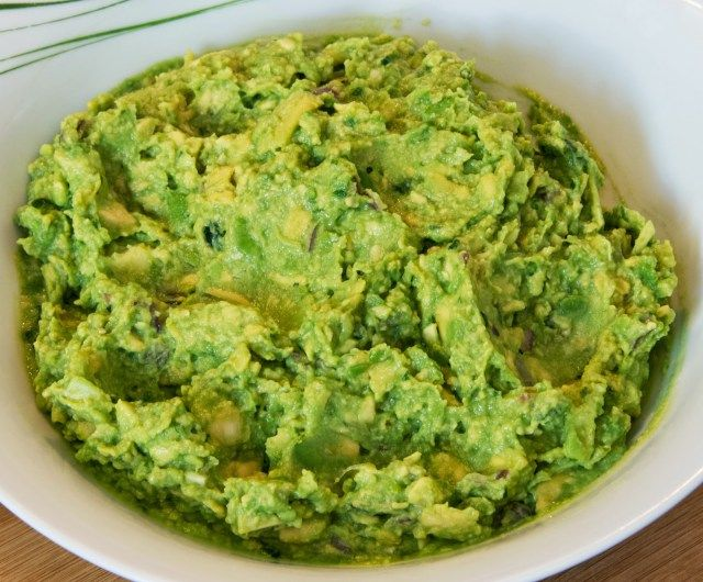 Fresh, Homemade Guacamole Tutorial | A Travel for Taste