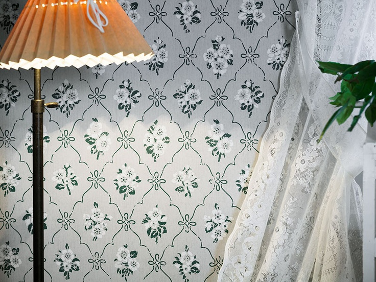 Modern wallpaper inspired by found old swedish designs / Gysinge.nu