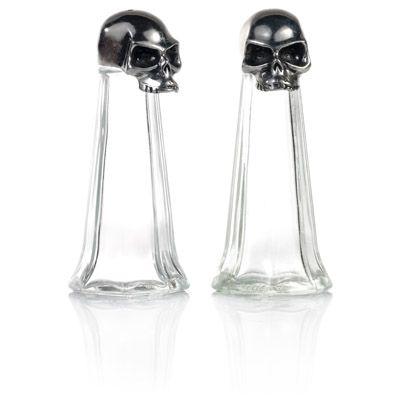 AHHH I WILL NEED THIS! Skull Salt & Pepper Set