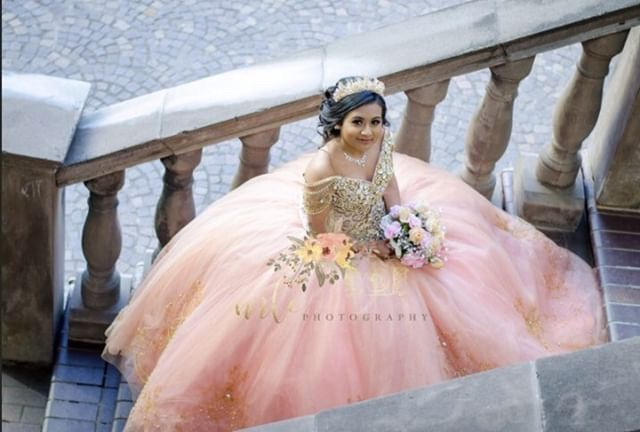 Rose gold Quinceanera dress @estiloisabella