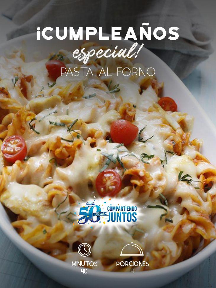Festeja con tus mejores amigos ese cumpleaños tan especial y disfruten de una Pasta al forno.  #recetas #receta #quesophiladelphia #philadelphia #crema #quesocrema #queso #comida #cocinar #cocinamexicana #recetasfáciles #pasta #pastaalforno #tomate #pollo #gratinar #gratinado #pastas #pastatornillo