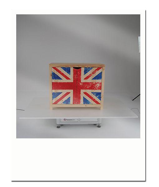Tutoriel N°2 : Créer une commode Union Jack effet vintage | Etat-Brut