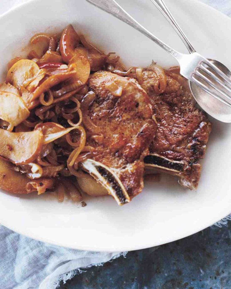 Pork Chops with Apples and Onions Recipe