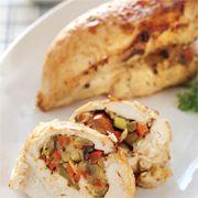 Sebzeli tavuk göğüs eti dolması