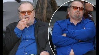 Latest news:  Jack Nicholson shows off his belly at LA Lakers game