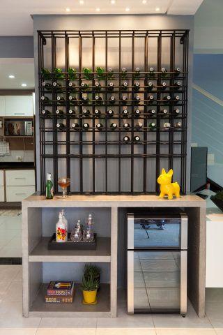 Conversamos com profissionais de seis escritórios de arquitetura e reunimos 10 projetos de bares para casa.